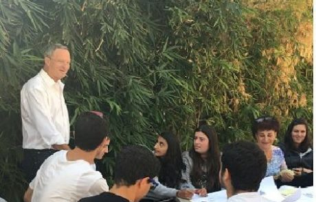 תלמידי התיכונים באירוע משותף לזכרו של יצחק רבין