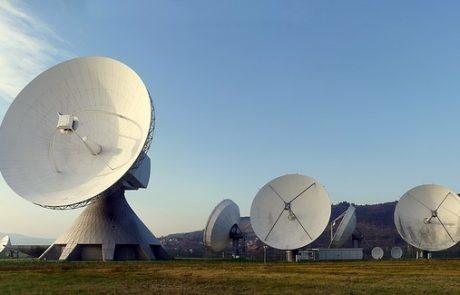 אנטנות סלולריות בשטחים שמעבר לקו הירוק
