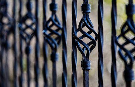 סוגי מעקות למרפסת – איך תעשו את הבחירה הנכונה?