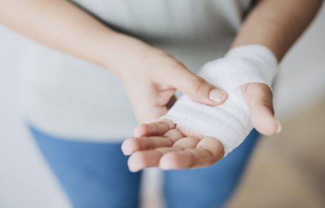 לא רק תעלה קרפלית – כל הסיבות לכאבים במפרק היד