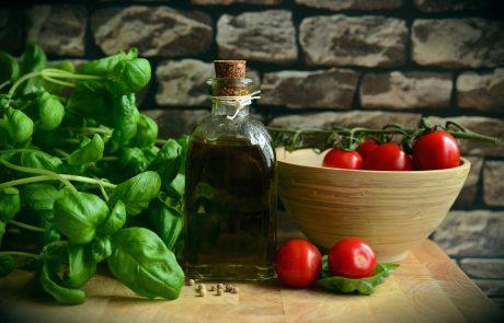 כיצד תזונה יכולה להשפיע על בריחת שתן