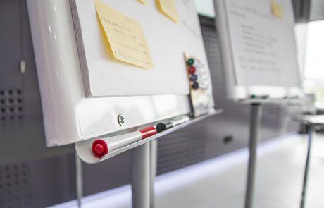לוחות לעסקים – כל סוגי הלוחות והשימושים